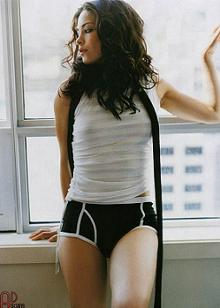 Kristin Kreuk sexy canadian actress