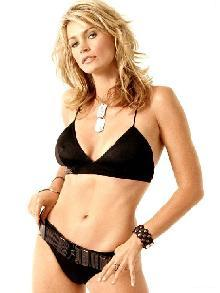 Natasha Henstridge sexy canadian actress