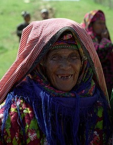 toothless Uzbek woman - photo by  Umida Akhmedova