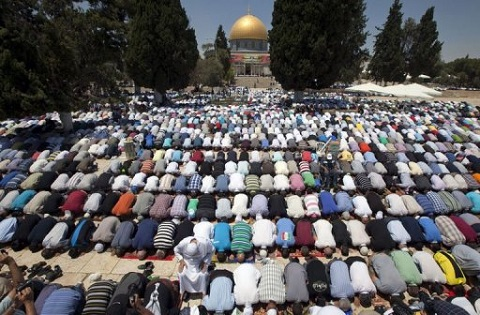 15 Jul 2013 - About 80,000 Muslims attended prayers at Jerusalem's Al-Aqsa mosque compound on the first Friday of the Muslim fasting month of Ramadan.