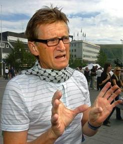 Norwegian Dr Mads Gilbert wearing kafiyyeh