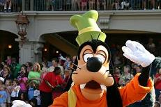 Goofy during the Share a Dream Come True Parade