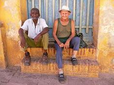 Cuba - Trinidad de Cuba 2005 074 - Köpte honung av gubben till höger