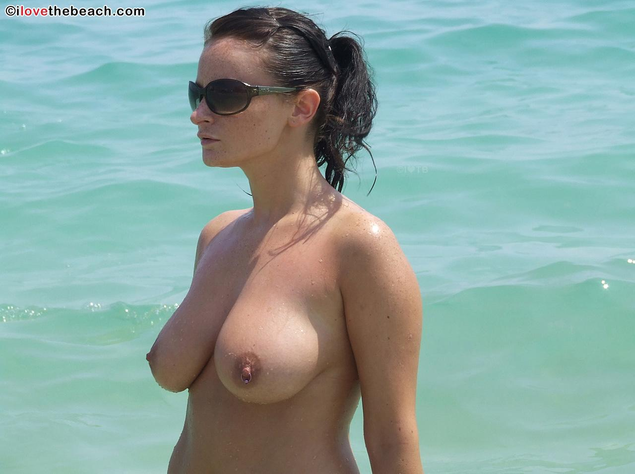 Naked beach patrons photos